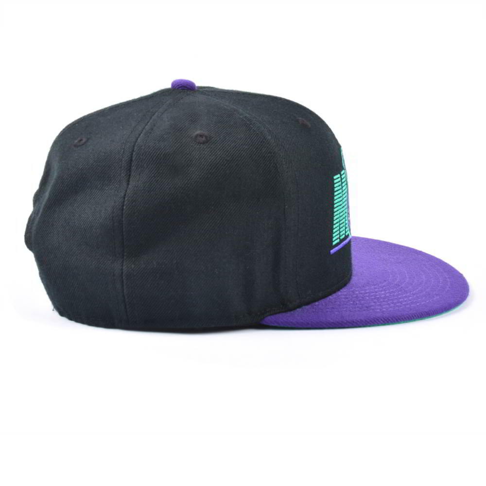 flat embroidery two tone snapback hats custom