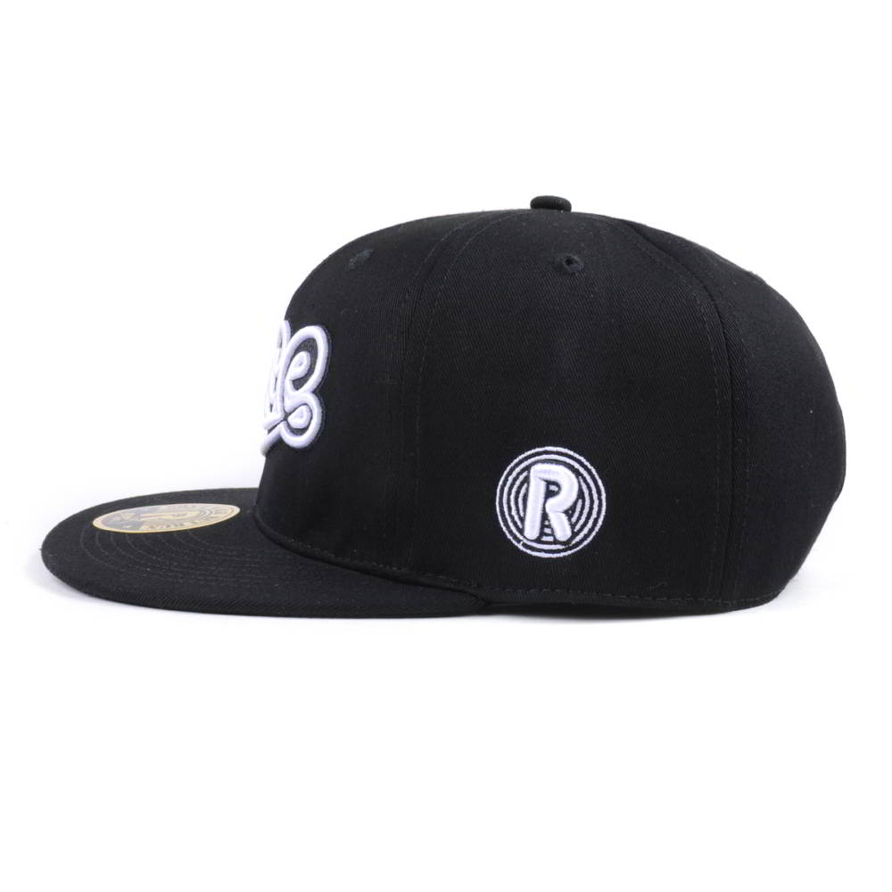 design 3d embroidery black snapback caps