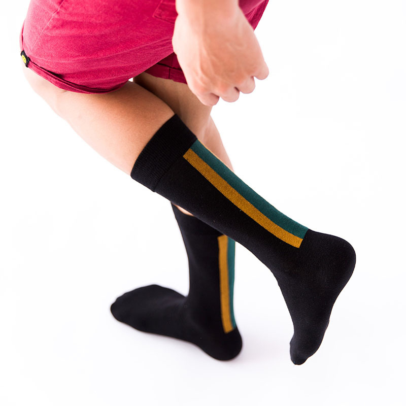 Thick football mens crew socks black-2